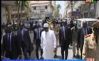 Video: Incroyable, mais vrai! Le Président Macky marche du Palais à la mosquée pour la prière du Vendredi