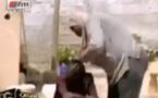 Vidéo: Si les distinctions n'étaient pas du toc au Sénégal, cette dame aurait reçu un cauris d'or au …