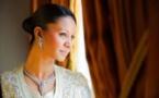 Jammeh loue un jet privé à 176 millions pour la « oumra » de la première dame et sévit…