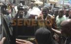 Une foule immense acclame Nafy Ngom Keïta à sa sortie de l'Ofnac