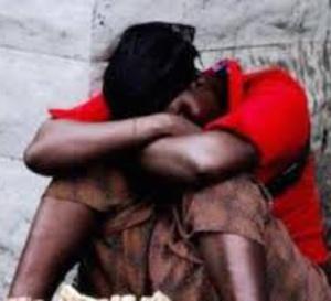 TENTATIVE DE VIOL : Le charretier Mouhamed Seck assomme Khoudia Guèye, retire son pagne, déchire son bas et tente de la violer