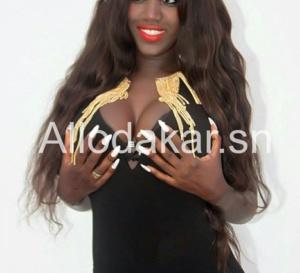 Dieyna, artiste: « Me seins font des jalouses »