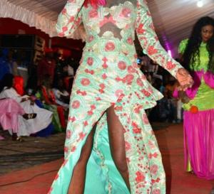 Kiné Badiane dans une robe très osée…