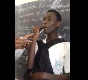 Vidéo : un élève gambien imite à la perfection Waly Seck. Regardez!