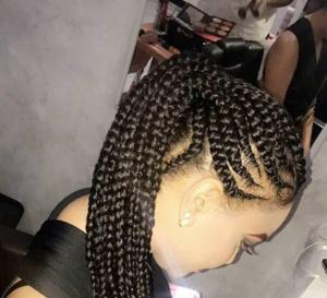 PHOTOS - La coiffure de la belle Léna Gueye qui lui va à …