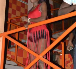 PHOTOS - Momo Dieng enflamme le Ravin Night …tout était permis, hyper chaud avec ses fans