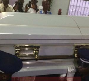 PHOTOS -  Levée de corps de Papa Wemba à la morgue Ivosep à Treichville, Abidjan