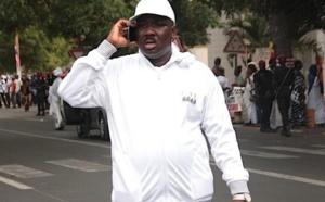INCROYABLE - Pour une histoire de ...chaises à installer, Farba Ngom menace le… Préfet devant le gouverneur