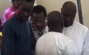 Vidéo émouvante: inhumation de la femme de cheikh Ndiaye, JOJO soleil levant… Mamadou Kane, Bouba Ndour à thies