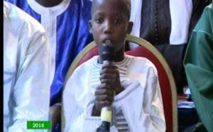 Vidéo: Cet enfant récite la Sourate Al Moursalât avec une voix d'or