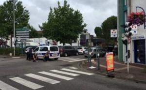 Prise d'otage dans une église à Saint-Etienne-du-Rouvray: les deux auteurs abattus, un otage décédé