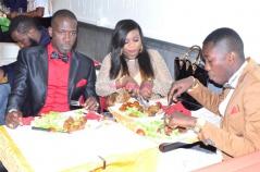 Daba Seye et son mari Mor Mane au restaurant de la Pointe des Almadies à Paris