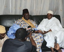 Me abdoulaye WADE A TIVAOUANE - SERIGNE MANSOUR SY : « Votre visite nous honore »