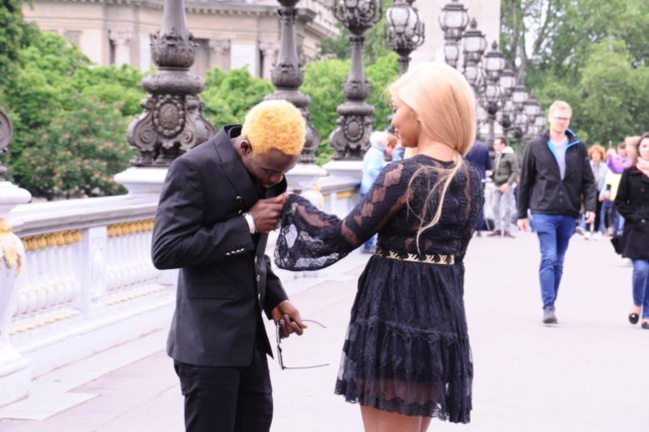 PHOTOS - Sidy Diop new look avec son « CHOU BABY » à Paris.